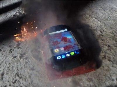 Петарды и огонь не смогли вывести Geotel A1 из строя