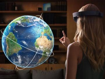 Энтузиаст объединил дополненную и виртуальную реальности