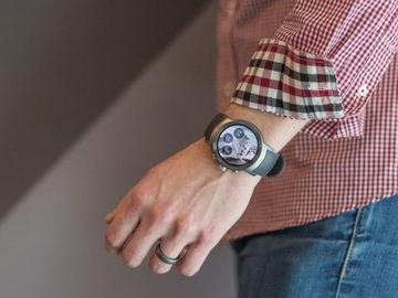 LG Watch Sport и Watch Style стали первыми часами на Android Wear 2.0