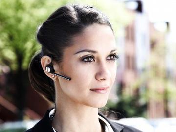 Ассистент Alexa можно будет активировать через носимые аксессуары