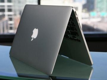 Apple продлевает бесплатную замену бракованных экранов в MacBook Pro